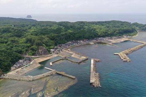 海界の村を歩く 日本海 飛島_d0147406_15151335.jpg
