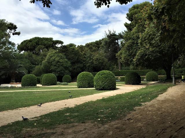 ペドラルベス宮の庭でピクニック_b0064411_07270517.jpg