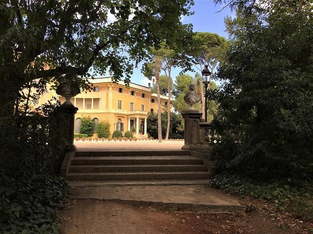 ペドラルベス宮の庭でピクニック_b0064411_07270550.jpg
