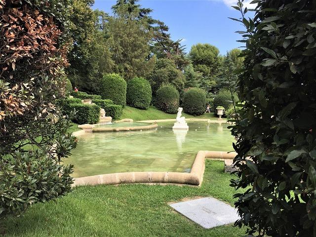 ペドラルベス宮の庭でピクニック_b0064411_07270574.jpg