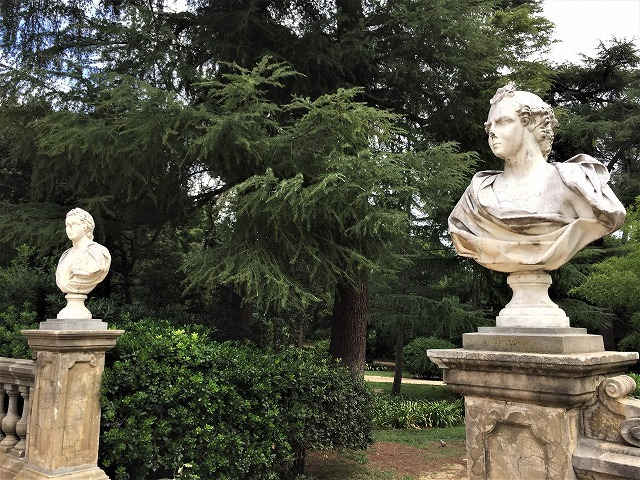 ペドラルベス宮の庭でピクニック_b0064411_07270576.jpg
