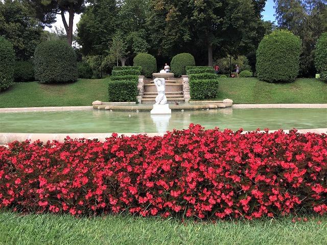 ペドラルベス宮の庭でピクニック_b0064411_07270594.jpg