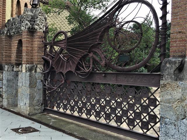 ペドラルベス宮の庭でピクニック_b0064411_07385958.jpg