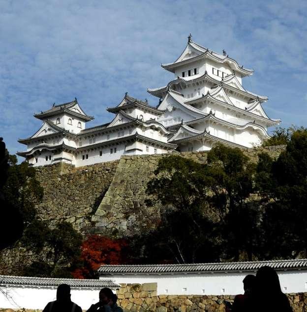日韓対立余波、姫路城にも 8月の外国人入城者、全体で25%増も韓国人は3割減_b0064113_9413797.jpg