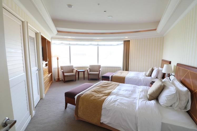 帝国ホテルのスイートルームに宿泊_f0209122_18181945.jpg