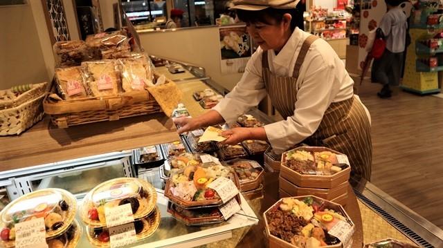 藤田八束の鉄道写真@熊本観光と言えばくまモン部長、くまモン部長が熊本観光を盛り上げる・・・熊本復興とくまモン部長_d0181492_23483091.jpg