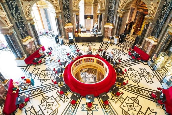 ウィーンの世界一美しいカフェ_b0145398_21181004.jpg