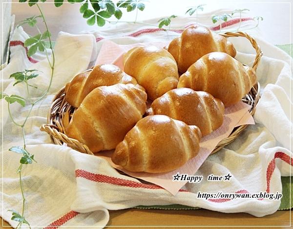 寝坊した日のお弁当とバターロール♪_f0348032_16280363.jpg