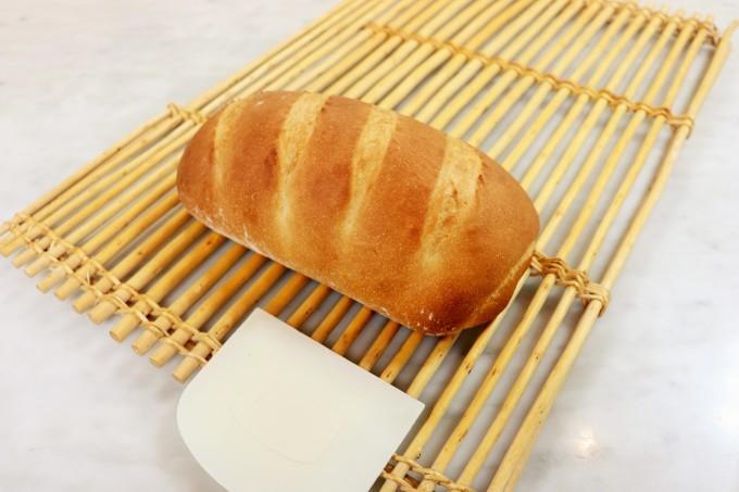 大きなミルクパンと大きなチーズパン_d0085594_17082954.jpg