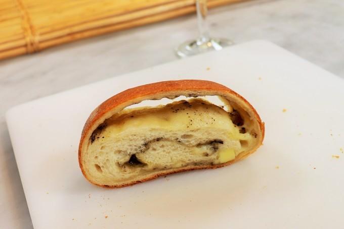 大きなミルクパンと大きなチーズパン_d0085594_17084092.jpg