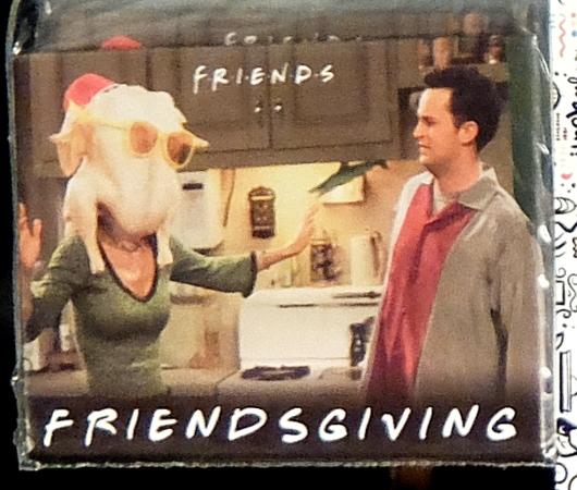 人気ドラマ『フレンズ』の名場面、ターキー・ヘッドがグッズに!_b0007805_03335288.jpg