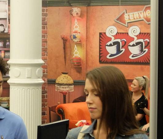 チケットなしでも『フレンズ』25周年記念のセントラルパーク・カフェを味わえます_b0007805_04442211.jpg
