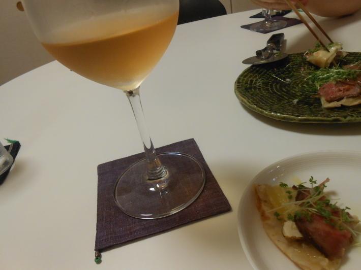 カモノハシとうしのはしで奥野田ビアンコを飲む。_a0095931_19520631.jpg
