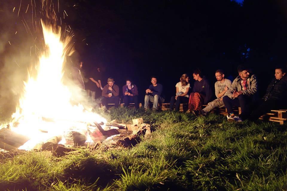 イギリス研修中の生活:キャンプファイヤーの夜_a0383739_06011695.jpg