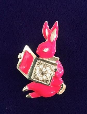 ウサギのブローチ_f0196455_14052450.jpeg