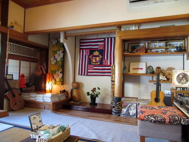 奥河内・音CAFE HENOHENO * 古民家×ハワイアンなカフェのロコモコランチ♪_f0236260_00244622.jpg