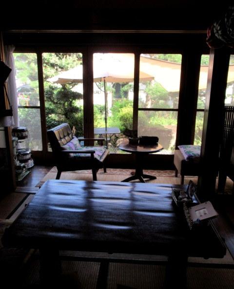 奥河内・音CAFE HENOHENO * 古民家×ハワイアンなカフェのロコモコランチ♪_f0236260_00255082.jpg
