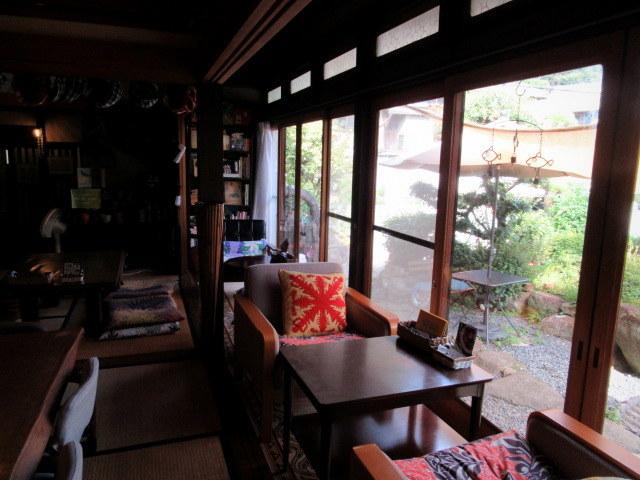 奥河内・音CAFE HENOHENO * 古民家×ハワイアンなカフェのロコモコランチ♪_f0236260_00272642.jpg