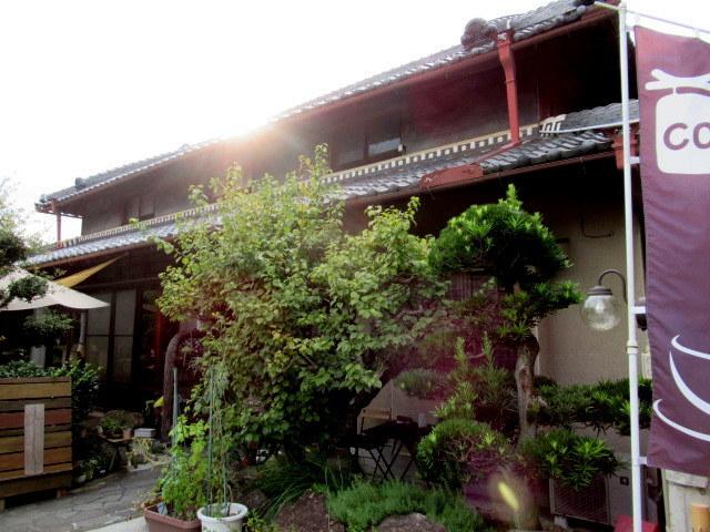 奥河内・音CAFE HENOHENO * 古民家×ハワイアンなカフェのロコモコランチ♪_f0236260_00325374.jpg