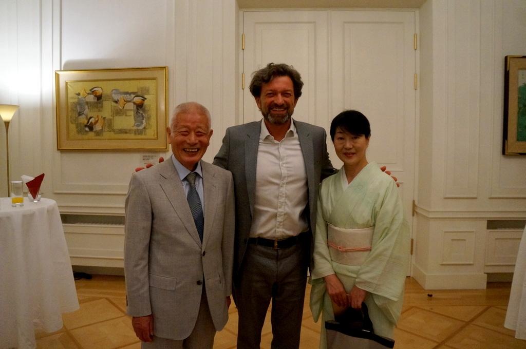 在ベルリン日本大使公邸レセプション 8/23_c0180686_01214979.jpg