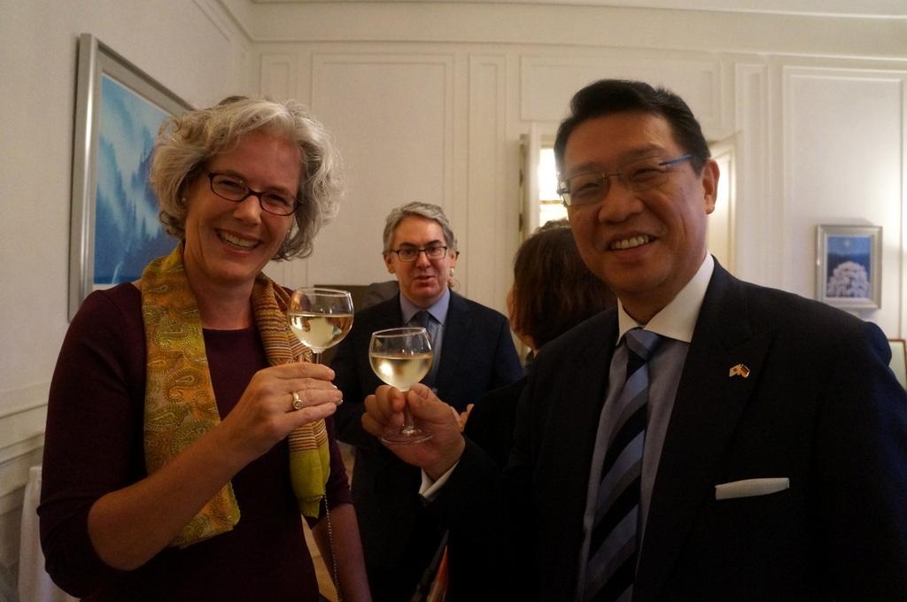 在ベルリン日本大使公邸レセプション 8/23_c0180686_01220902.jpg