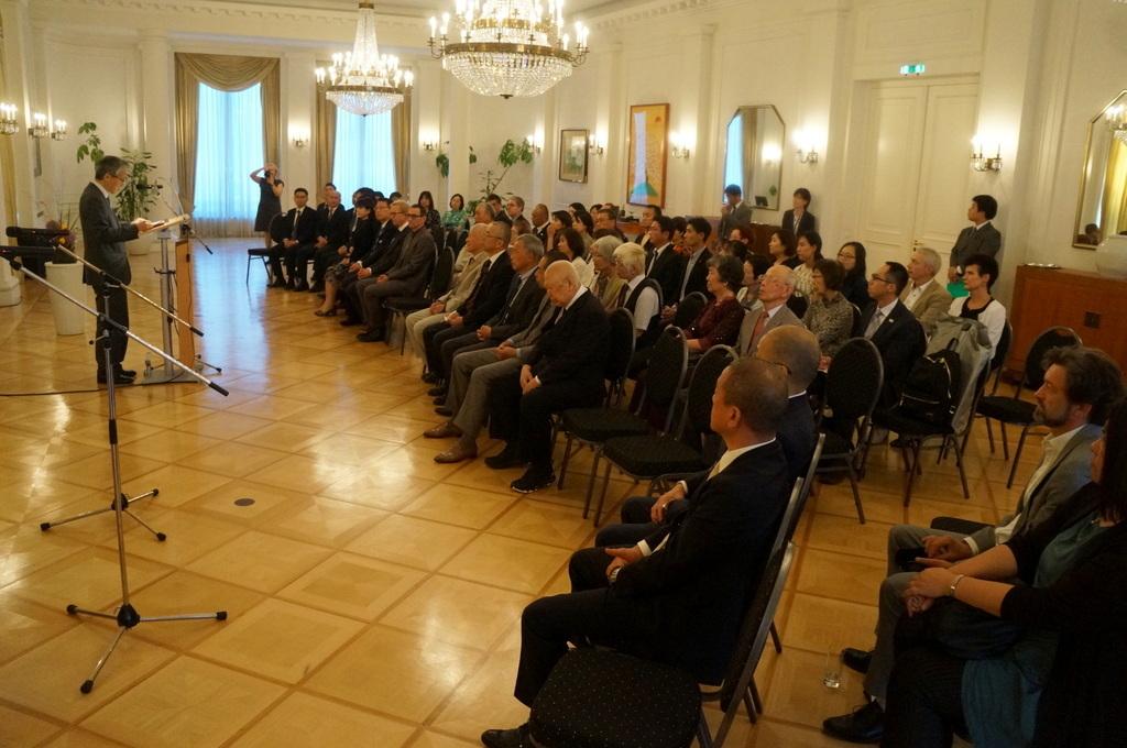 在ベルリン日本大使公邸レセプション 8/23_c0180686_01222587.jpg