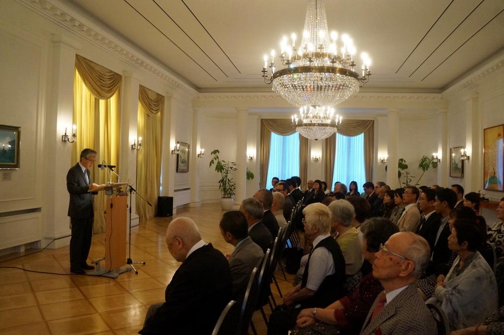 在ベルリン日本大使公邸レセプション 8/23_c0180686_01223157.jpg
