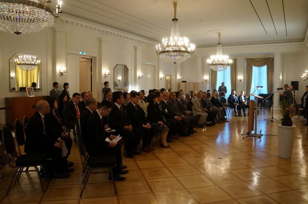 在ベルリン日本大使公邸レセプション 8/23_c0180686_01223768.jpg