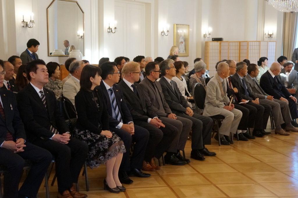 在ベルリン日本大使公邸レセプション 8/23_c0180686_01224273.jpg