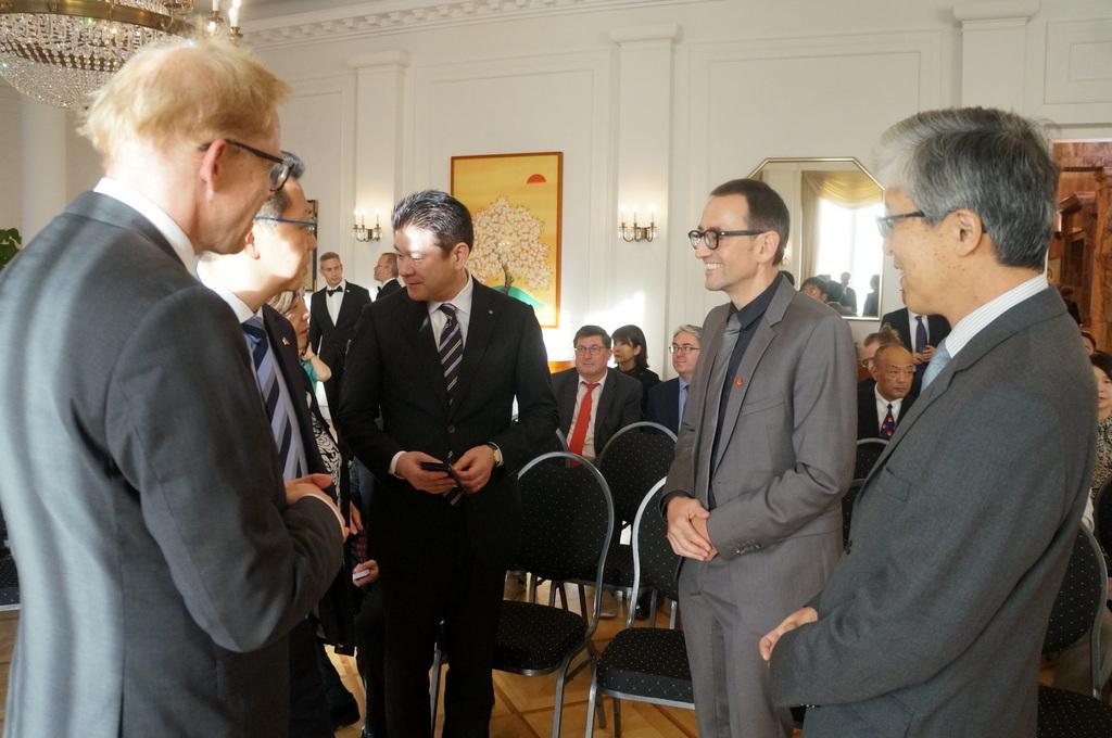 在ベルリン日本大使公邸レセプション 8/23_c0180686_01225171.jpg