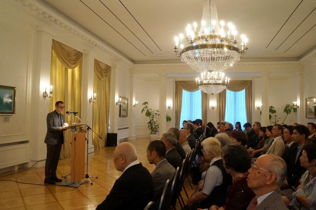 在ベルリン日本大使公邸レセプション 8/23_c0180686_02134923.jpg