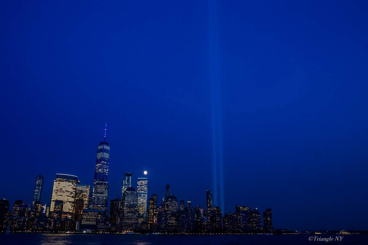 Tribute in Light 2019_a0274805_04345704.jpg