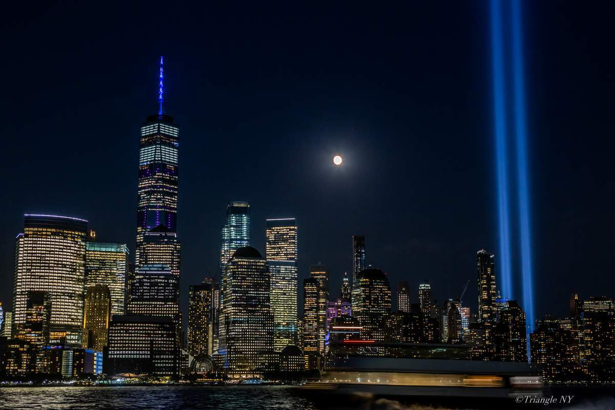 Tribute in Light 2019_a0274805_04351220.jpg