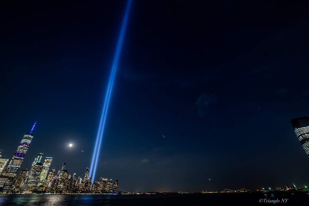 Tribute in Light 2019_a0274805_04352377.jpg