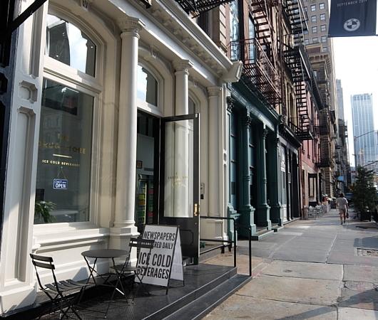 """NYトライベッカにある""""The Drug Store""""(ザ・ドラッグ・ストア)1号店_b0007805_03013711.jpg"""