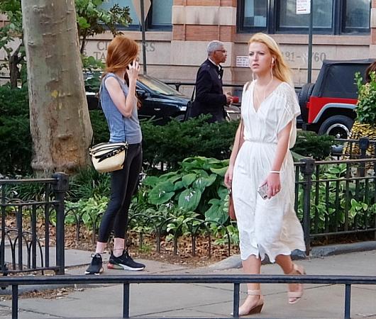 ファッション・ウィーク中のニューヨークの街角には、関係者がチラホラ_b0007805_04534162.jpg