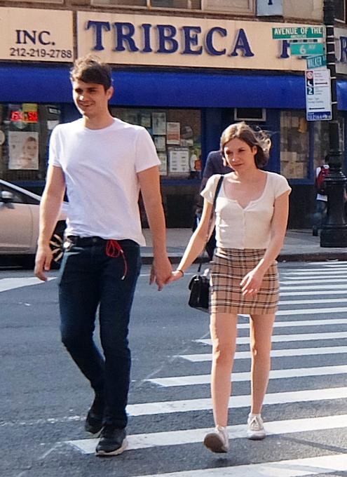ファッション・ウィーク中のニューヨークの街角には、関係者がチラホラ_b0007805_04552283.jpg