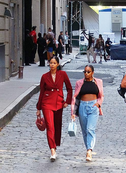 ファッション・ウィーク中のニューヨークの街角には、関係者がチラホラ_b0007805_04574188.jpg