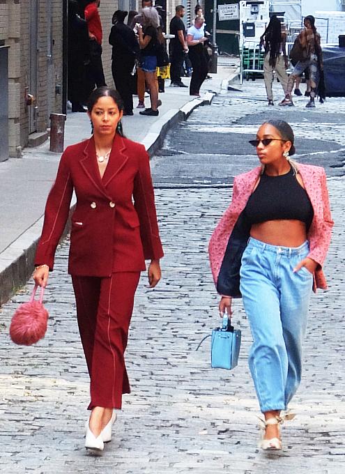ファッション・ウィーク中のニューヨークの街角には、関係者がチラホラ_b0007805_04581515.jpg
