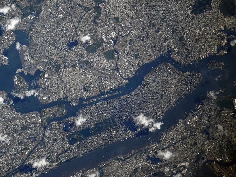 国際宇宙ステーションから見た2019年9月11日のマンハッタン島_d0063814_11003462.jpg
