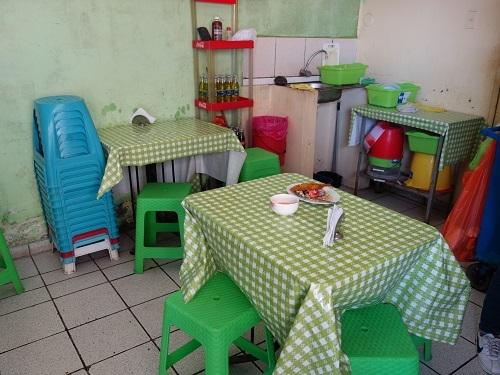 チクラヨのホテル近くで貝入りのセビーチェを食べてみた_c0030645_05305352.jpg