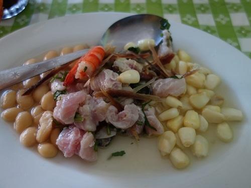 チクラヨのホテル近くで貝入りのセビーチェを食べてみた_c0030645_05312065.jpg
