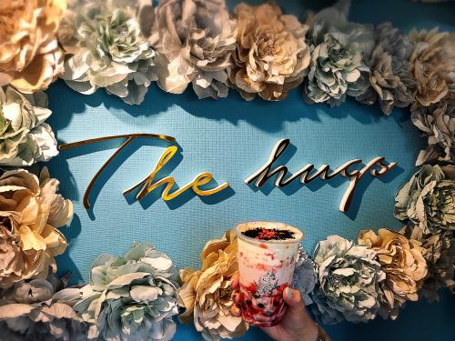 The hugs (ザ・ハグズ)_e0292546_14370476.jpg