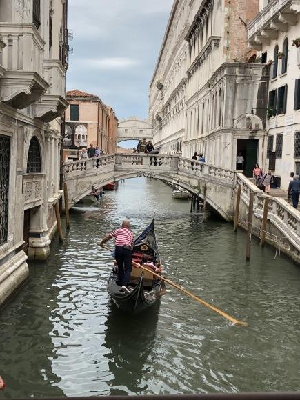 *イタリアの旅 *_e0159050_16145472.jpeg