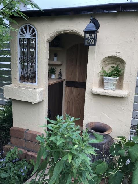 DIY【小屋もどき】プランター取り付けとレンガ積みが終わりました_a0243064_12423206.jpg