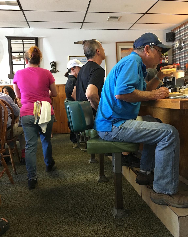 よく食べ、よく話し、よく歩いています/ We Are Eating Well In California_e0310424_02484355.jpg