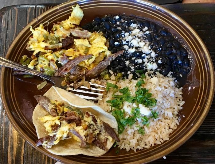 よく食べ、よく話し、よく歩いています/ We Are Eating Well In California_e0310424_02494057.jpg