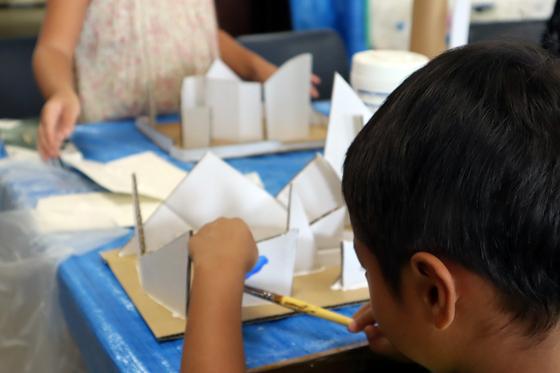 やと子ども美術教室 ~  ダンボールでつくる立体 ~_e0222340_15555917.jpg