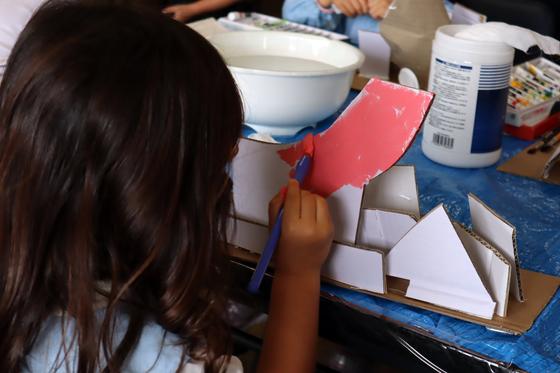 やと子ども美術教室 ~  ダンボールでつくる立体 ~_e0222340_15571463.jpg