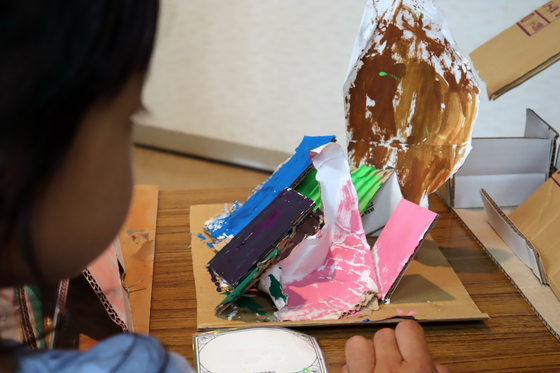 やと子ども美術教室 ~  ダンボールでつくる立体 ~_e0222340_16115329.jpg